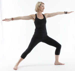Virabhadrasana guerriero yoga