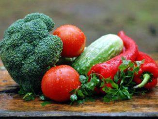 abbassare il colesterolo alimentazione corretta